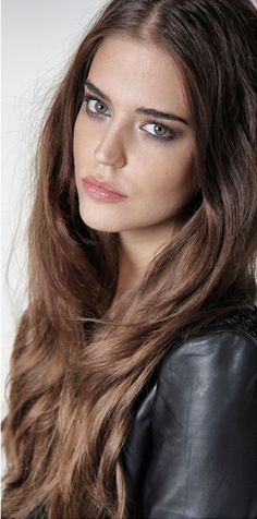 Most Beautiful Faces, Gorgeous Women, Clara Alonso Hair, Brunette Beauty, Hair Beauty, Natural Hair Styles, Long Hair Styles, Beautiful Actresses, Pretty Face