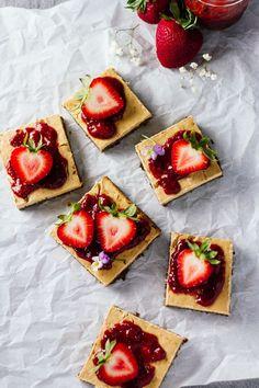 Skinny Strawberry Cheesecake Bars! YUM!