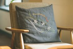 서촌 프랑스자수 '장스'의 9월 클래스 수강생 모집 ::: 경복궁역, 광화문, 서촌, 독립문역, 경복궁 프랑스자수 클래스, 프랑스자수 수업 : 네이버 블로그 Throw Pillows, Toss Pillows, Cushions, Decorative Pillows, Decor Pillows, Scatter Cushions