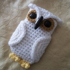 Such a cute, fun, and quick pattern! Can be easily adapted to fit any size phone. I named my white one Hedwig ;)