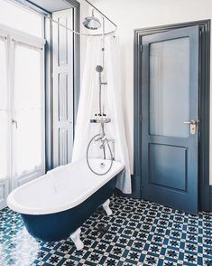 That tile and that bathtub. I would like to add this to my dream home! #bathroomdecor #homedecor #bathroom