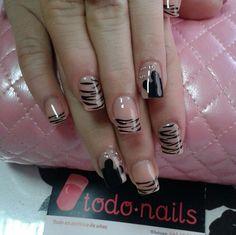 Esperamos que os guste este diseño de uñas acrílicas!!!