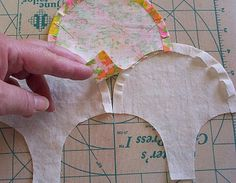 http://browndirtcottage.blogspot.com/2010/06/clamshell-tutorial.html