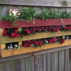 Pallet garden , love it!!