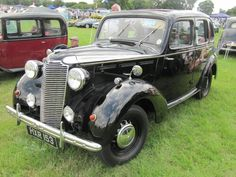 1939 Vauxhall 14hp Model J at Breamore House classic car show.  v@e.