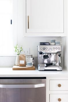This Gorgeous Kitchen Makeover Will Stop You in Your Tracks (The Everygirl)