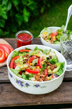 Mexikanischer Low Carb Salat mit Hackfleisch - Gaumenfreundin Foodblog #gesunderezepte #lowcarbrezepte #lowcarbrezeptedeutsch #lowcarb #fitnessrezepte #diätrezepte #salatrezepte