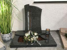 Urnengrabmal mit Glasornament -Ausstellung 3-