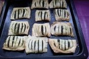 Špenátové taštičky se slaninou a sýrem Ferrero Rocher, Cookies, Food, Author, Candy, Crack Crackers, Biscuits, Essen, Meals