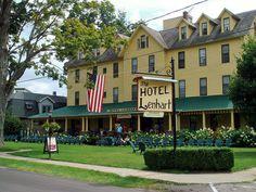Hotel Lenhart by Chris.0917, via Flickr