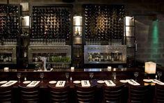 La vinoteca Gran Bar Danzón se encuentra en el centro de la capital, en el barrio de Recoleta. Los materiales utilizados, espacios abiertos, decoración contemporánea con guiños clásicos y su iluminación tenue, evoca al estilo de los bares neoyorkinos.