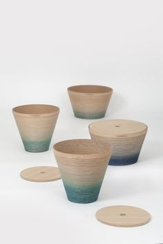 metre veneer - baskets' are wooden baskets, each having its own unique colour gradient. With a specially constructed machine, an estimated 97 metre long oak-veneer-strip is slowly glued and coiled up around a wooden base to form a basket. Wooden Basket, Paper Basket, Waste Paper, Unique Colors, Gradient Color, Industrial Design, It Works, Planter Pots, Objects