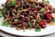 Čočkový salát | Apetitonline.cz Quinoa, Healthy Recipes, Healthy Food, Salads, Beef, Cooking, Diet, Healthy Foods, Meat