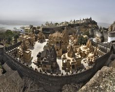 The #Jainisms #Nirvanaplace for the Tirthankar's - #Palitana http://www.indiantravellers.co.in/travel/asia/india/palitana-the-jainisms-nirvana-place-for-the-tirthankars/
