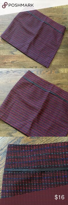 Gorgeous fully lined Loft skirt SZ 16 NWT Ann Taylor Loft skirt SZ. 16. It's fully lined with beautiful woven fabric in red, purple, and black. Thus versatile skirt can be worn to the office or dressed down for a more casual look. NWT LOFT Skirts Mini