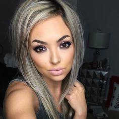 Her hair and makeup! Silver Grey Hair, Corte Y Color, Hair Color And Cut, Hair Highlights, Hair Dos, Fall Hair, Balayage Hair, Pretty Hairstyles, Hair Lengths