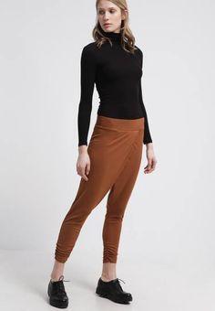 Anna Field Pantalón De Deporte Brown pantalones pantalon Field deporte brown Anna Noe.Moda