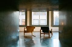 Graue Fenster