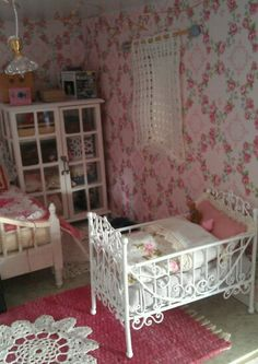 Ruusuinen makuuhuone