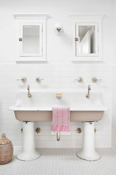 Best bathroom decorating ideas decor design inspirations for how to make a pink bathroom look modern . Best Bathroom Tiles, Diy Bathroom Decor, Bathroom Flooring, Bathroom Ideas, White Bathroom, Bath Decor, Bathroom Styling, Bathroom Designs, Master Bathroom