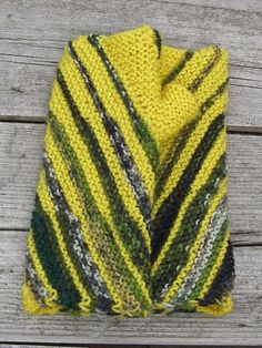 Bright-yellow knit wrist warmers. Fingerless wool by echocraftings