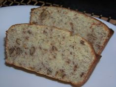 Low Carb Banana Bread - Uses a medium banana which will add 2 carbs per slice - Net carbs per slice: 5g