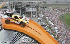 Hot Wheels world record jump - 332 feet...