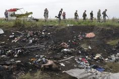 Fragmentos hallados donde cayó vuelo MH17 podrían ser de misil ruso http://elportal.mx/fragmentos-hallados-donde-cayo-vuelo-mh17-podrian-ser-de-misil-ruso/