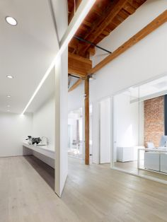 Gallery of Index Ventures / Garcia Tamjidi Architecture Design – 5 – Modern Corporate Office Design Corporate Office Design, Office Interior Design, Office Interiors, Corporate Offices, Architecture Design, Futuristic Architecture, Open Office, White Office, Inspiration Design