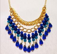Collar con piedras azules, $140 en https://ofeliafeliz.com.ar