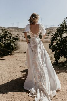 newest Hayley Romantic Bohemian Wedding Dress Crepe Wedding Dress, Blue Wedding Dresses, Designer Wedding Dresses, Wedding Gowns, Wedding Cakes, Wedding Rings, Crepe Dress, Party Wedding, Wedding Blog