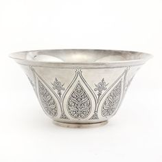 Tiffany & Co. Makers Sterling Silver Footed Center Bowl   Pattern no. 16667   Of flared circular form, decorated with stylized foliate motifs. Height 4 3/8 inches, diameter 9 1/8 inches, approximately 31 ounces.