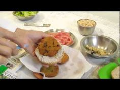 Hambúrguer de Soja (com okara), leite de soja, maionese de soja e pão de gergelim