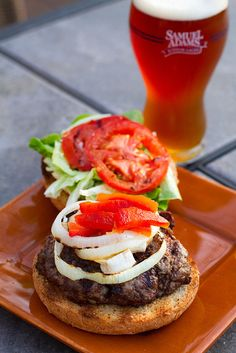 Looking for Fast & Easy Beef Recipes, Burger Recipes, Lunch Recipes, Main Dish Recipes! Recipechart has over free recipes for you to browse. Find more recipes like Brie Burgers. Burger King, Burger Dogs, Burger And Fries, Good Burger, Burger Night, Burger Bar, Beef Burgers, Beef Recipes, Cooking Recipes