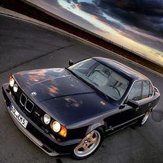 BMW M5 E34 | @bmw_oli via Instagram.