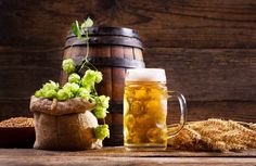 Mead and beer are both alcoholic drinks known from Norwegian history. The Norwegians call them «mjød Norway Facts, Norway Food, Christmas Beer, Wooden Containers, Norwegian Food, How To Make Beer, Brewing, Alcoholic Drinks, History