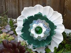 Plate Flower #513  Drought Resistant.          Garden Yard Art glass and ceramic plate flower