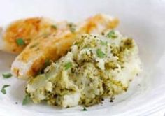Simple Pesto Mashed Potato with Garlic Chicken | Easy, Healthy options recipe types | Salad, Smooth and Fluffy potato recipes | Love Potatoes