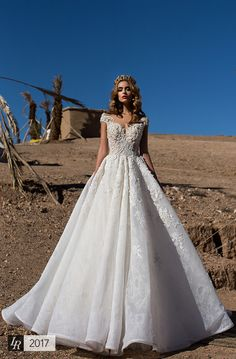 Mariam, Desert Mistress 2017, Magic frame dress with lace corset, embellished with Swarovski gems and handmade pearl embroidery