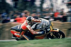 Photo d'actualité : English motorcycle champion Barry Sheene , May...