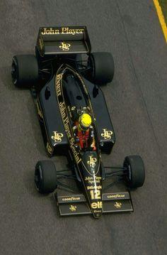 - 1986 Ayrton Senna , JPS Lotus Renault 98T -