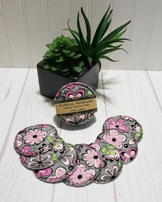 Flannel Makeup Remover Pads Gray & Pink Floral Eco Friendly | Etsy Makeup Remover Pads, Cotton Pads, Bridal Shower Favors, Graduation Gifts, Stocking Stuffers, Printing On Fabric, Flannel, Floral Design, Eco Friendly