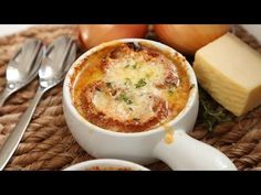 This is the version of French Onion Soup that people seek when they go to restaurants. I have been making it for 30 years and it never fails to please. It makes an exquisite presentation, too! Onion Soup Recipes, Healthy Soup Recipes, Cooking Recipes, Classic French Onion Soup, Best Cheese, Easy Food To Make, Healthy Snacks For Kids, Soups And Stews, Meals