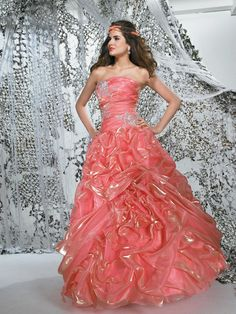 New Style Vintage Flat Strapless Applique Ruffled Long Best Selling