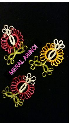 Needle Tatting, Tatting Lace, Needle Lace, Yellow Mirrors, Fabric Brooch, Irish Jewelry, Thread Art, Paper Plate Crafts, Denim And Lace