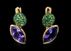 Mousson atelier, Molecular collection, earrings, Yellow gold 750, Tanzanite 3,30 ct., Tsavorites
