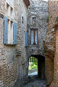 village médiéval de Montclus (Gard) by horlo, via Flickr