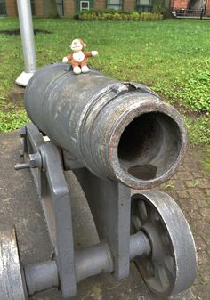 Cannons to the right of them! Cannons to the left of them! If you haven't read it, check out Charge of the Light Brigade (#poem) by #Tennyson. #cannon