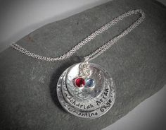 Hammered and domed birthstone necklace to add children's names Personalized Necklace, Personalized Gifts, Handmade Gifts, Washer Necklace, Pendant Necklace, Birthstone Necklace, Kid Names, Birthstones, Swarovski Crystals