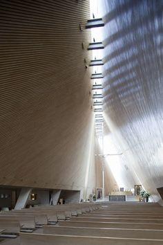 San Josemaría Escrivá Church / Javier Sordo Madaleno Bringas